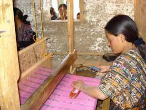 Artesana T'zaput weaver
